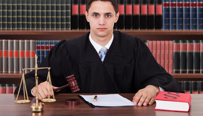 مقاله نقش وکیل مدافع در دفاع